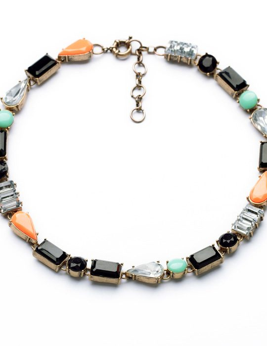 Color Bib Stone Necklace