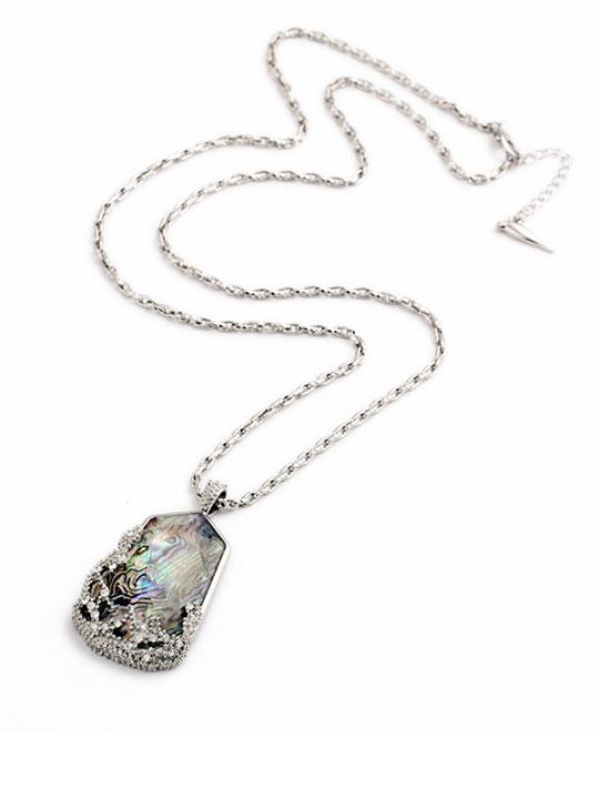 Isle-Pendant-Necklace-3