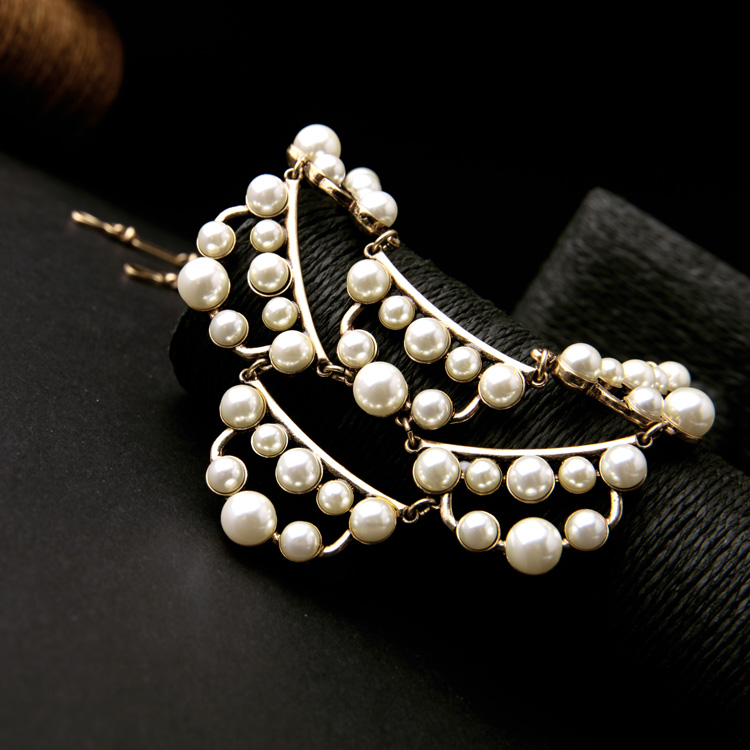 pearl cluster statement necklace 8