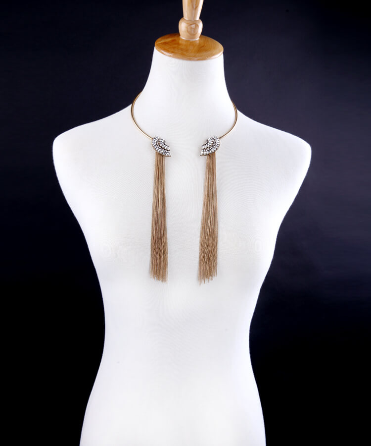 gold-crystal-scallop-collar-tassel-necklace