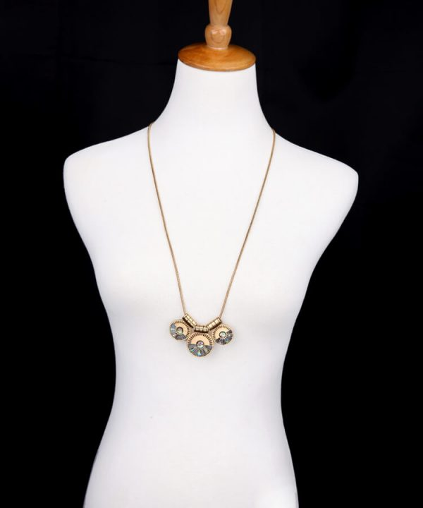 mod-gold-shell-layer-necklace-7