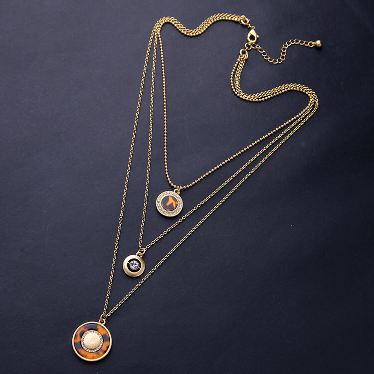 tortoise-circle-3-chain-necklace-3