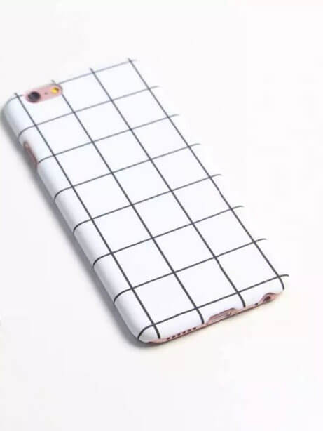 simple design iphone 7 cover with black and white grid