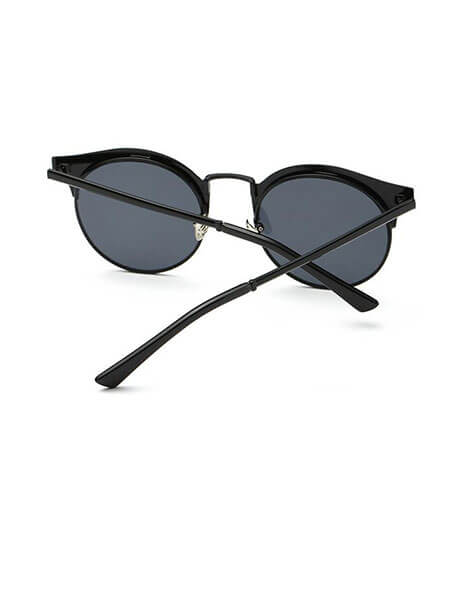 play-matte-black-sunglasses-3