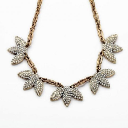 Mini-Pearl-Leaf-Statement-Necklace-3
