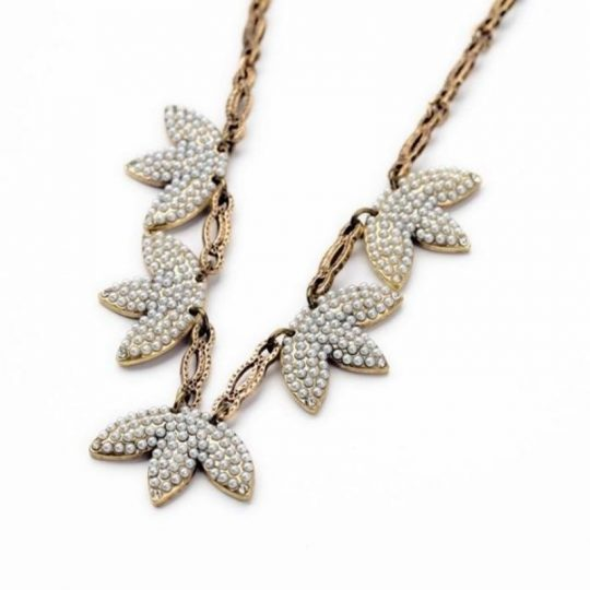 Mini-Pearl-Leaf-Statement-Necklace-4